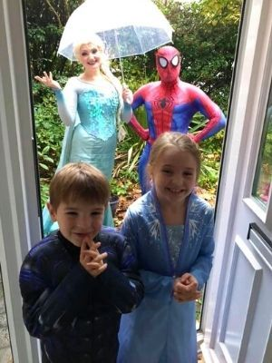 Imaginacts Entertainment | Doorstep Greets | Children's Party Entertainers | Hampshire